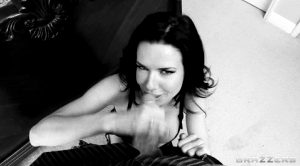 Veronica Avluv – Real Wife Stories – Brazzers (8 gifs)